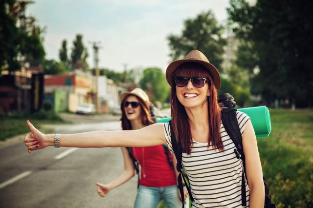 lifestyle_pick-up-girls-on-road_1083K[1]