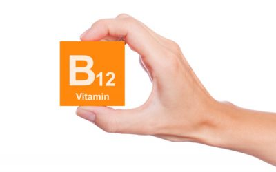 preview-full-hand-holding-vitamin-b12